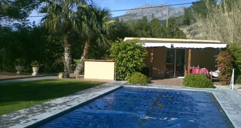 VILLA MIT MEERBLICK IN ALTEA, ALICANTE.